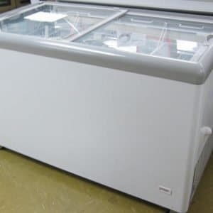 restaurant equipment and supply Masterbilt Flat Lid Display Freezer Model: MSF 52A