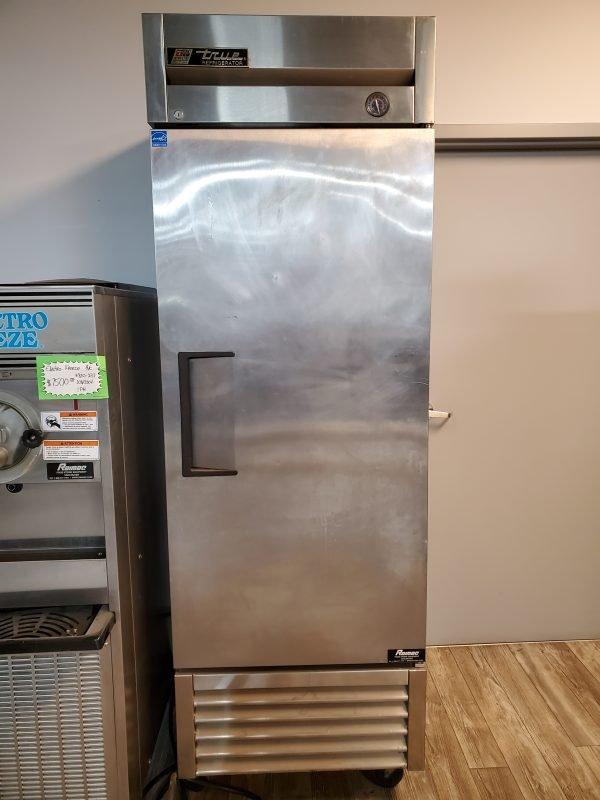 restaurant equipment and supply True T23 1 Door Reach in Cooler