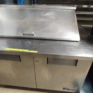 restaurant equipment and supply True TSSU 48-18 Sandwich/Salad Prep Table